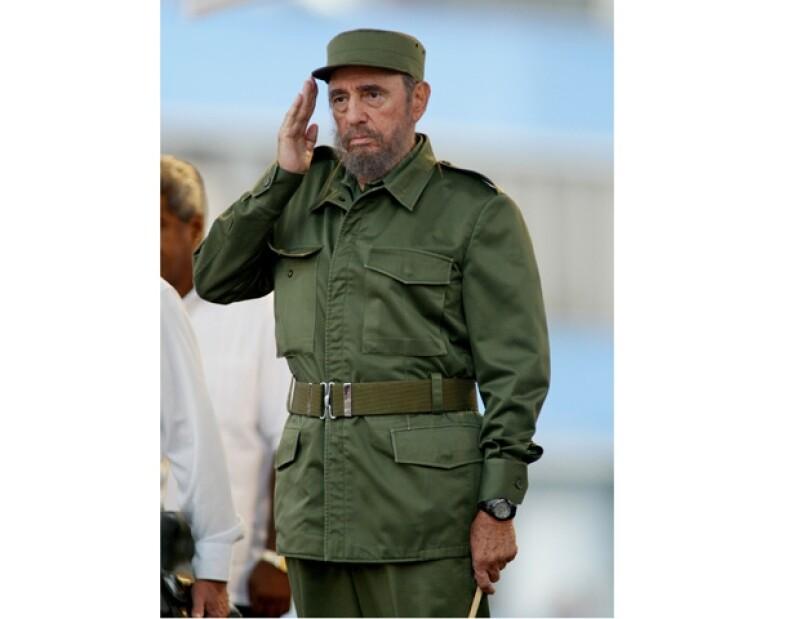 El ex mandatario cubano en la mayoría del tiempo utilizaba su característico traje militar.