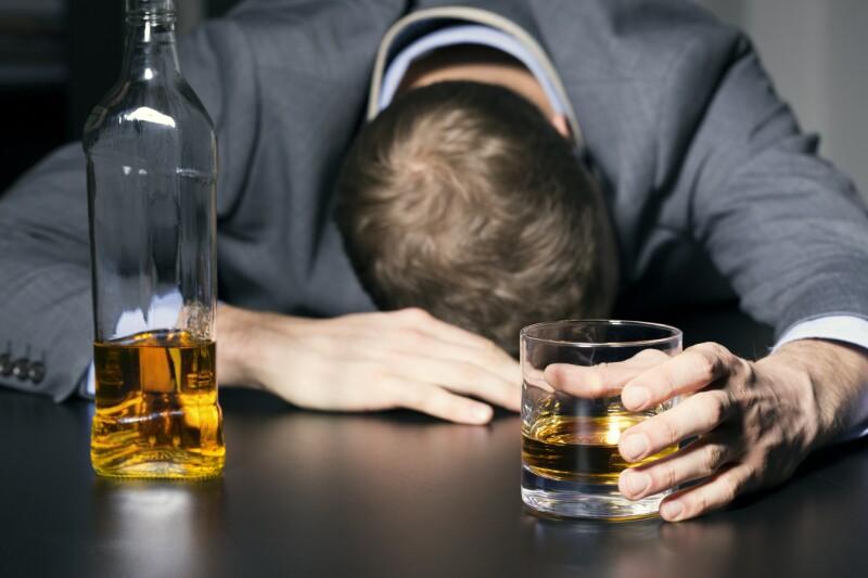 Beber en exceso: qué efectos tiene sobre tu salud