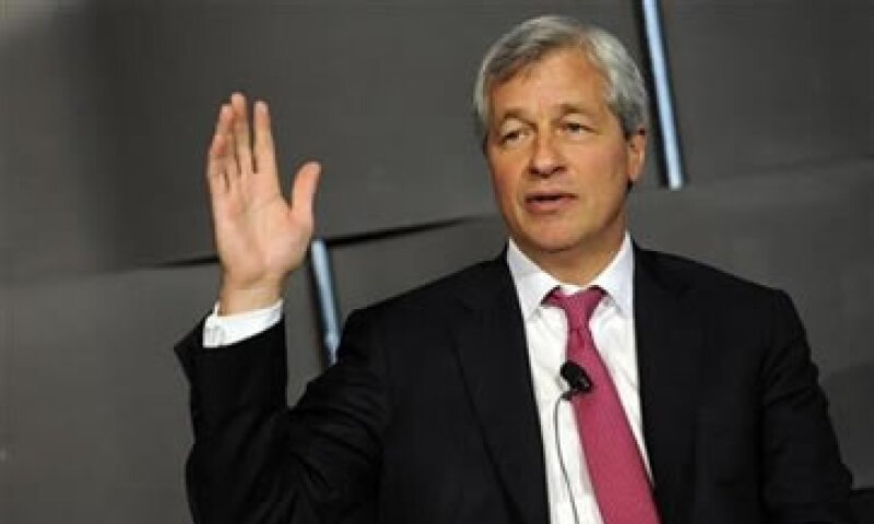 JPMorgan anunció el lunes pasado el retiro de Ina Drew, su directora general de inversiones, tras la falla que costó 2,000 mdd. (Foto: Reuters)