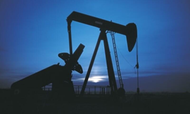 Pemex produce ahora 65,000 barriles por día en Chicontepec, y espera extraer hasta 600,000 en 2021. (Foto: Thinkstock)