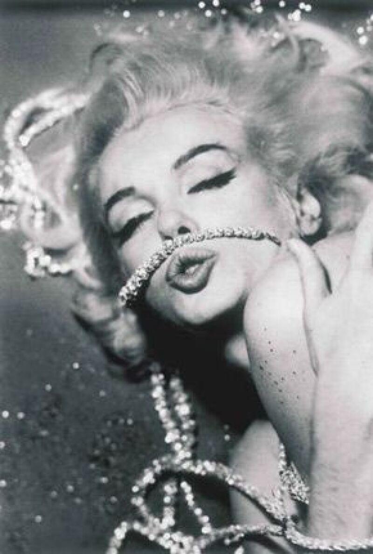 Las imágenes son parte de las más de 2,500 imágenes eróticas que Bert Stern le tomó a Monroe desnuda o semi desnuda, para la revista Vogue.