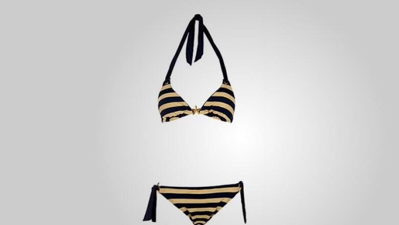 Preparándose para la playa, este bikini de dos piezas cuenta con tecnología de secado rápido y material de licra.