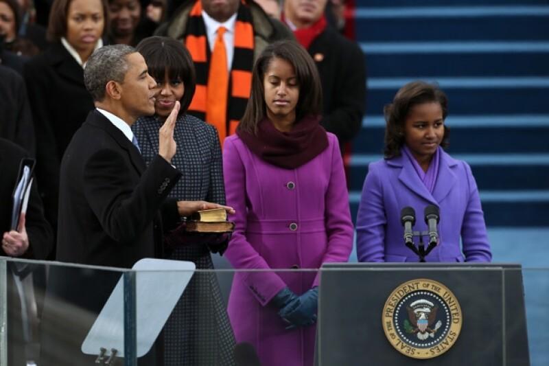 Malia y Sasha vistieron de púrpura.