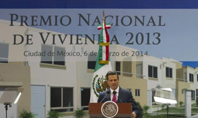 Las reglas y el esquema fiscal para el sector se mantendrán en todo el sexenio, dijo Peña Nieto. (Foto: Notimex)