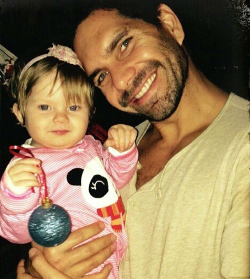 Arap se estrenó como papá de Paloma el año pasado.
