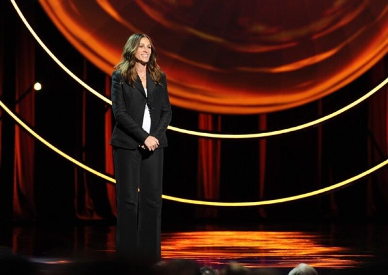 Julia en Stand Up to Cancer en 2012. La actriz ha mostrado siempre su apoyo a diversas organizaciones que combaten la enfermedad.