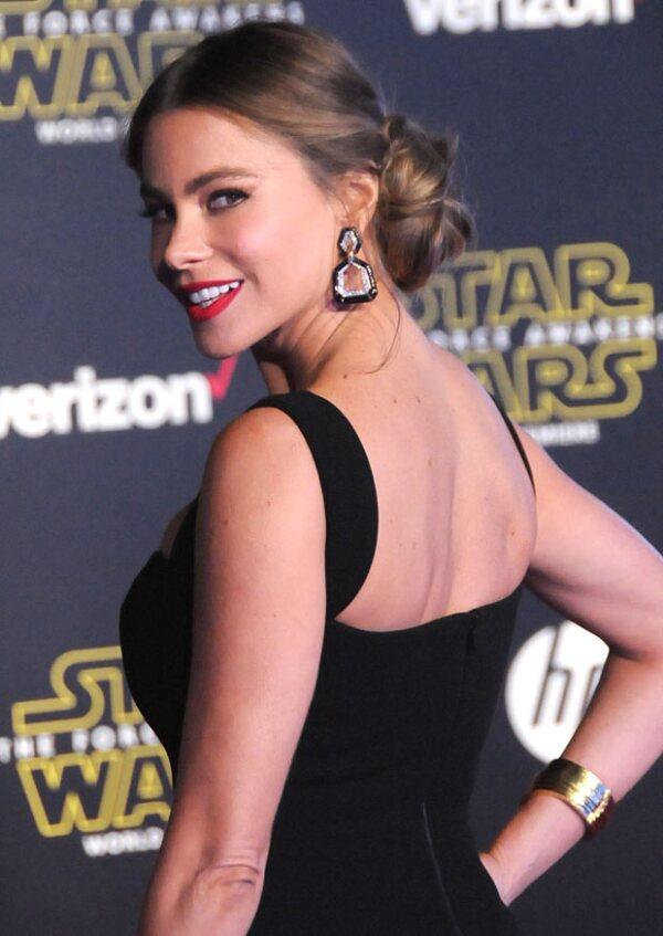 Sofía se atavió muy ad hoc para la ocasión con su peinado estilo princesa Leia y sus accesorios dorados.