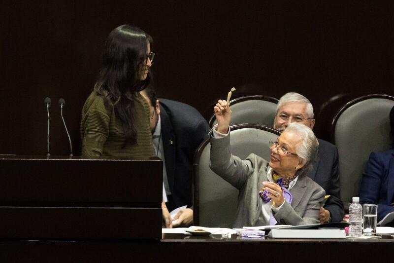 Olga_Carrujo_Mariguana-5.jpg