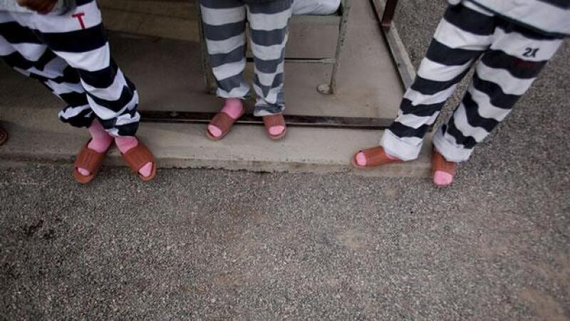 pies de presos en una prision de Arizona