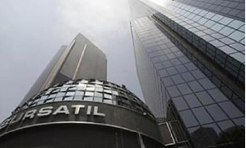 En la Bolsa mexicana, las acciones de Soriana, Comerci y otras empresas caen debido a que saldrán del IPC. (Foto: Reuters)