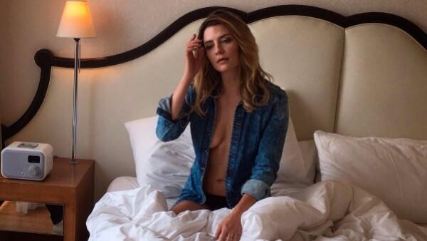 Durante sus vacaciones en Grecia, la protagonista de The OC compartió una imagen en la que aparece topless.