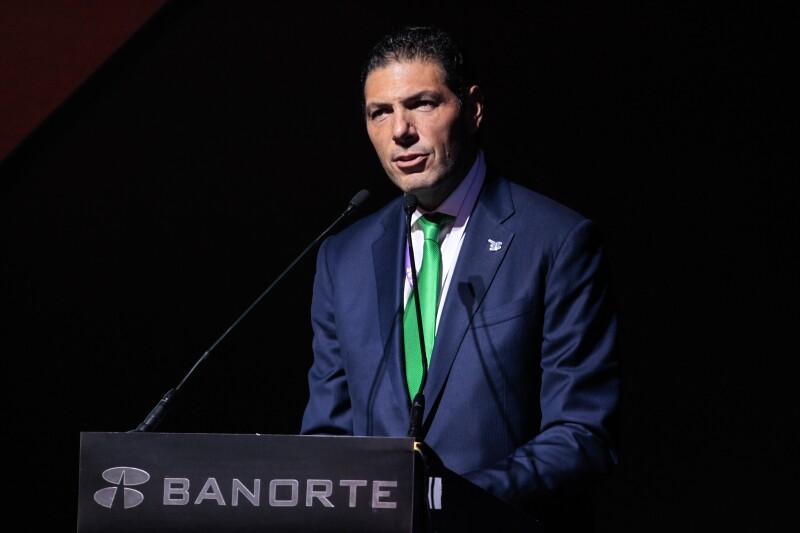 Carlos Hank González (cuarto).jpg