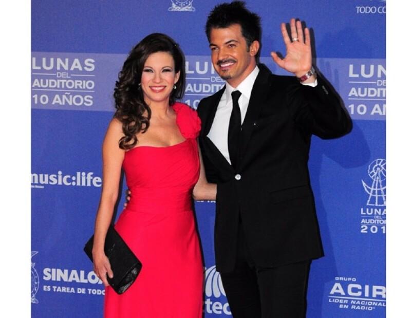 Ingrid Coronado y Fernando del Solar, ambos conductores de Tv Azteca.