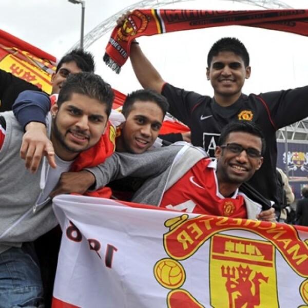 Manu_Barca_Wembley_Fans