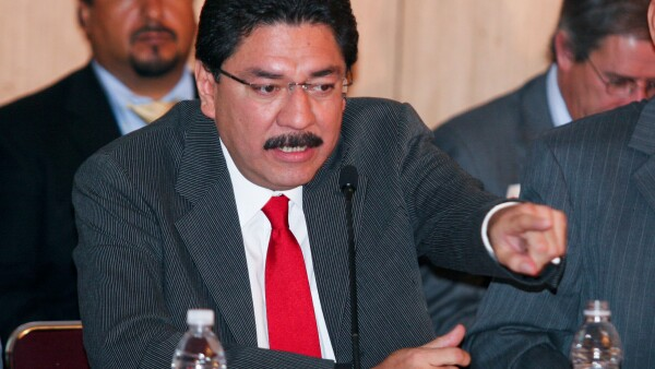 El exdirector de la CFE recibió el apoyo de algunos grupos del PRI, pero el rechazo de otros.