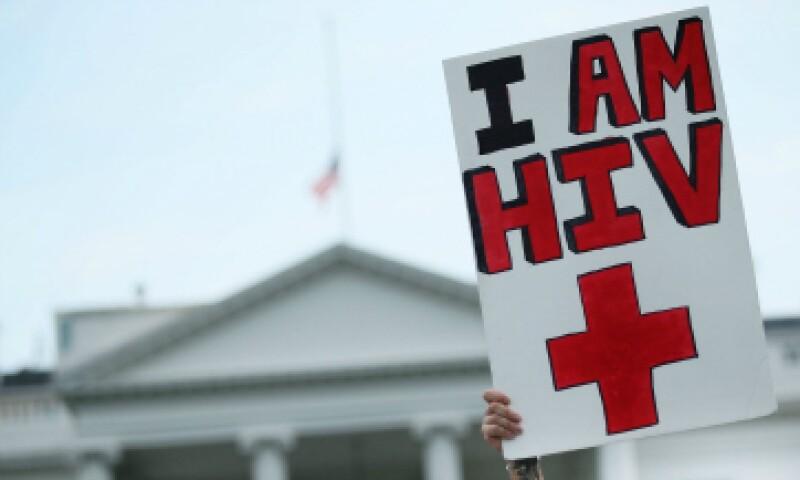 El VIH se transmite a través del contacto con sangre u otros fluidos corporales. (Foto: Getty Images)