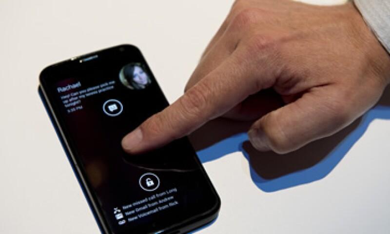 Motorola dijo que un usuario invierte 10 minutos a la semana en desbloquear su teléfono. (Foto: AFP)