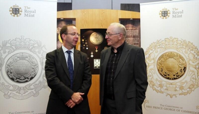 El día de ayer se dio a conocer cómo son las monedas que se hicieron con motivo del bautizo del primogénito de los Duques de Cambridge el próximo 23 de octubre.