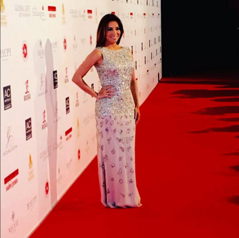 Durante su viaje a España, la actriz y empresaria fue sorprendida en el momento en que el cantante Adrián Martín Vega le pidió que se casara con él.