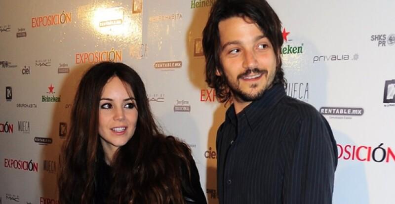 La actriz y ahora cantante se presentó en Jalisco con el dueto `Ella y el muerto´ y por supuesto que Diego Luna estuvo en primera fila apoyándola.