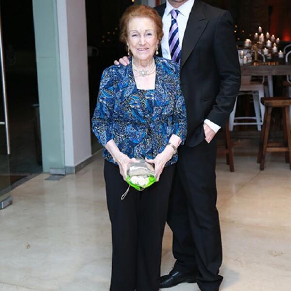 Maria Eugenia Perez de Benavides y Mauricio Benavides