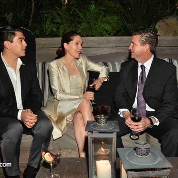 Rob Pantoja,Teté Valdez y Alejandro Covarrubias.