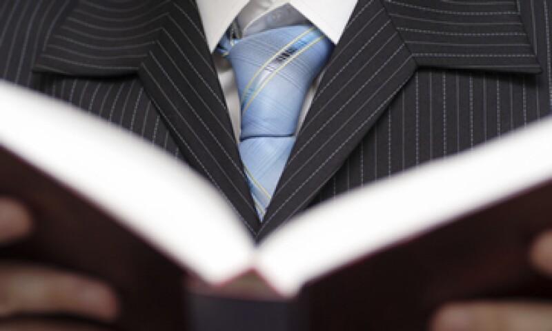 La literatura clásica es una herramienta que contribuye al aprendizaje de los líderes, pero no reemplaza a los libros de gestión, dice el experto Germán Torres. (Foto: Getty Images)