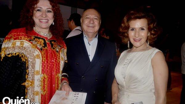 Irene Múzquiz de Karren, David Karren y Adriana Tijerina