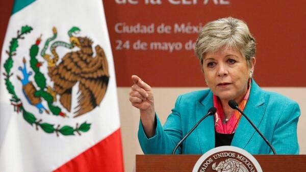 La secretaria ejecutiva de la Comisión Económica para América Latina y el Caribe (Cepal) exhortó a los gobiernos construir una estructura económica eficaz para enfrentar la evasión fiscal.
