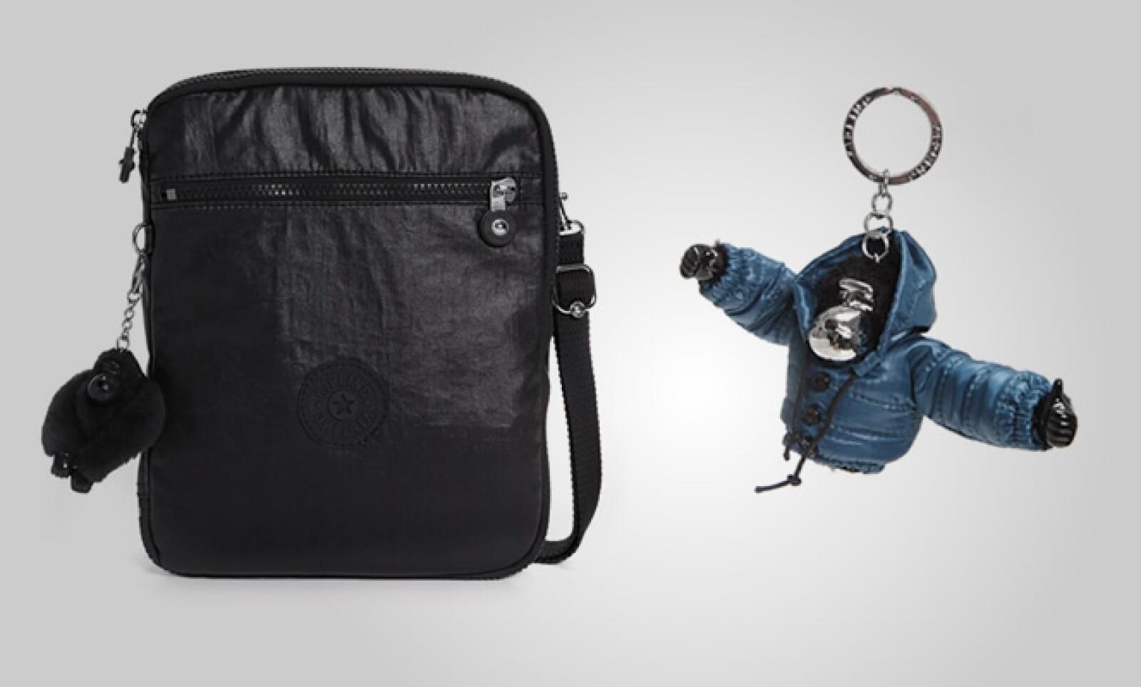 La marca belga Kipling presentó su más reciente colección de accesorios para el otoño- invierno 2011, basada en colores oscuros como el morado, gris y negro.