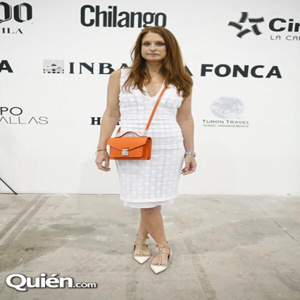 Zélika García portando un vestido Burberry