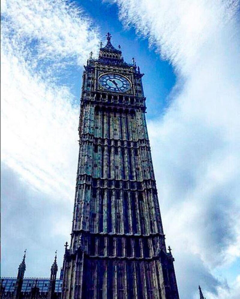 El corredor compartió esta postal: Ver el sol en Londres #Priceless... #shinebrightlikeadiamond #ElGranBen #HarryPotter, anotó.