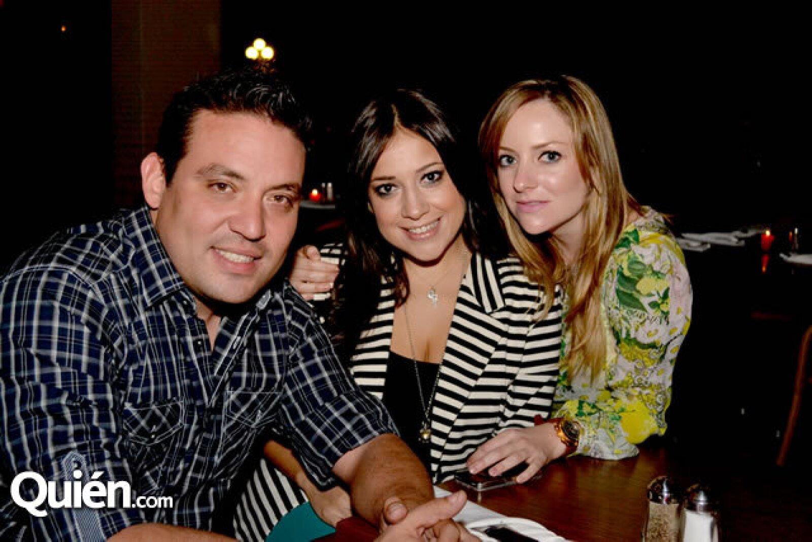 Paulo Aguirre, Gaby Suárez y Felicia Elizondo