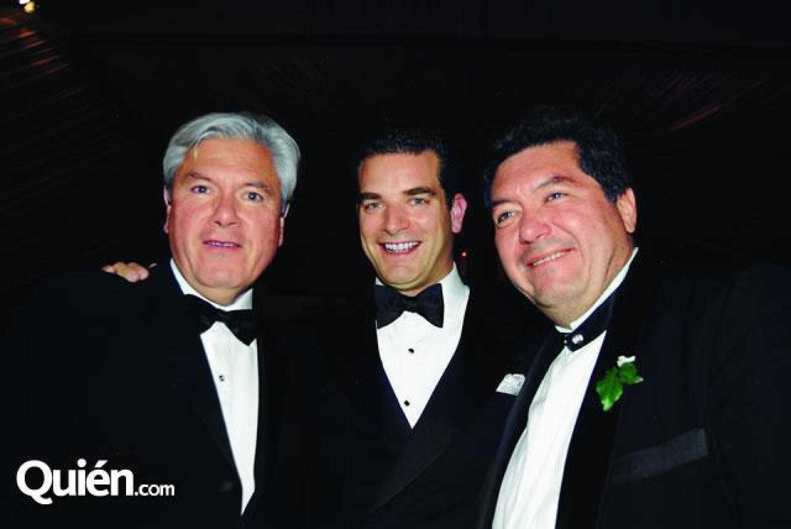 En familia. En la foto: Carlos Hank,Marc Moret y Jorge Hank