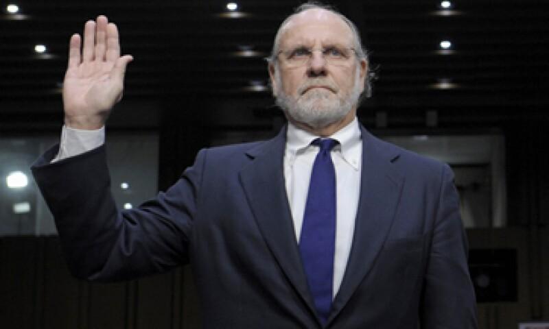 Corzine ha dicho repetidamente que no sabe cuál es el paradero del dinero faltante, que nunca ordenó que se desviaran fondos de los clientes y que nunca supo del enorme faltante. (Foto: AP)