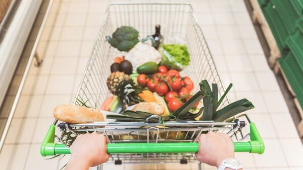 """El programa """"Pequeño Productor"""" de Walmart ha desarrollado a más de 15,000 pequeños productores en el país."""