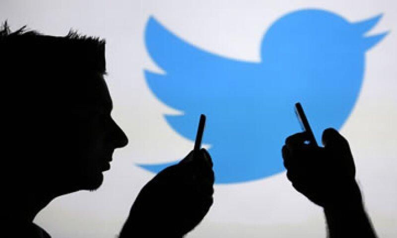 Twitter genera credibilidad, compromiso y posicionamiento de marca entre los consumidores, coinciden especialistas en publicidad digital. (Foto: Reuters)