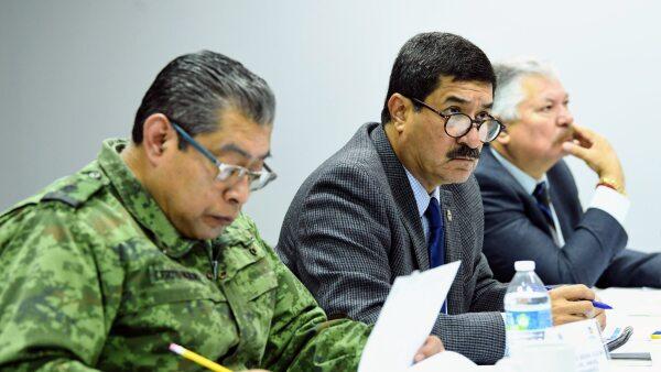 Atacan a escolta del gobernador de Chihuahua Javier Corral