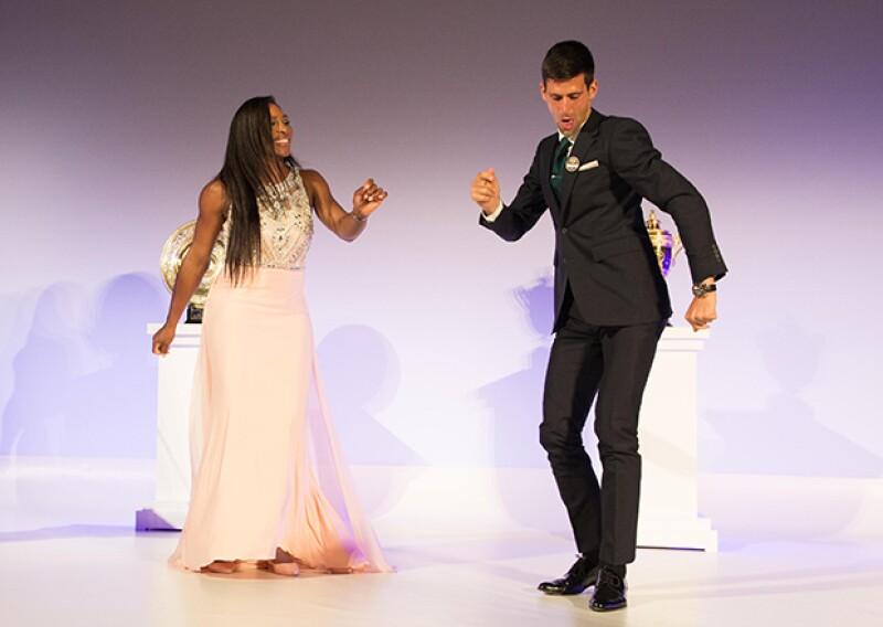 Los tenistas triunfadores de Wimbledon bailaron al ritmo de los Bee Gees durante la cena de clausura del torneo.