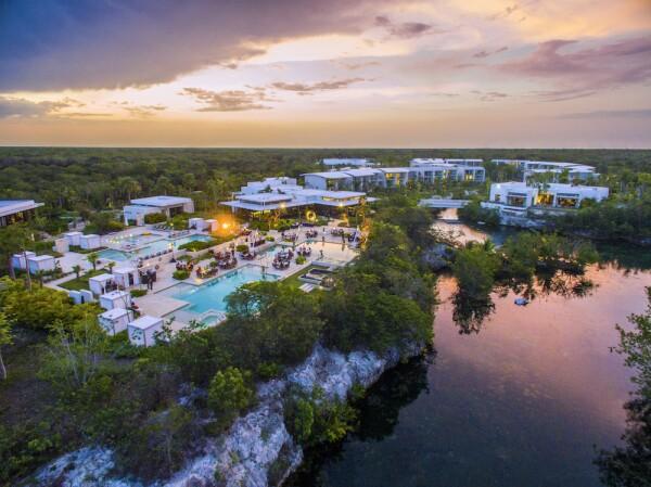Andaz-Mayakoba-Lagoon-Pool-Night-Venue.jpg