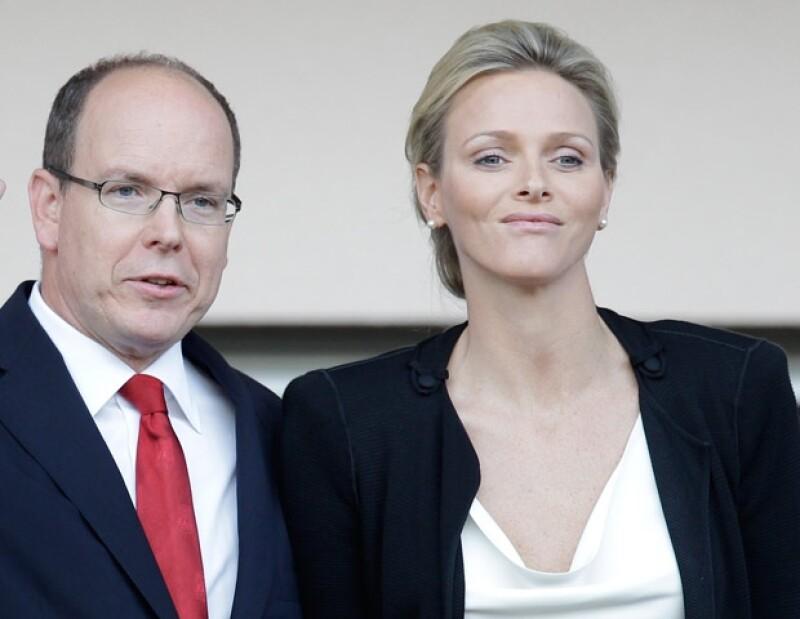Medio europeos afirman que Alberto invitaba a sus amantes a los eventos del Principado y Charlene tenía que soportarlo.