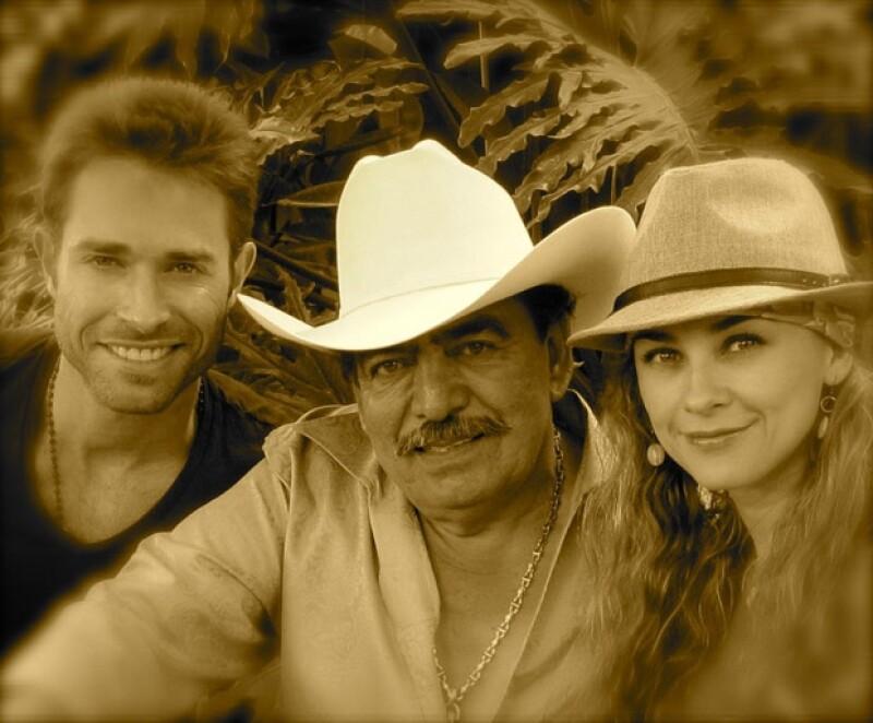 Aracely Arámbula, actual pareja del actor, compartió en Twitter fotografías de su fin de semana de visita al rancho de Joan Sebastian.