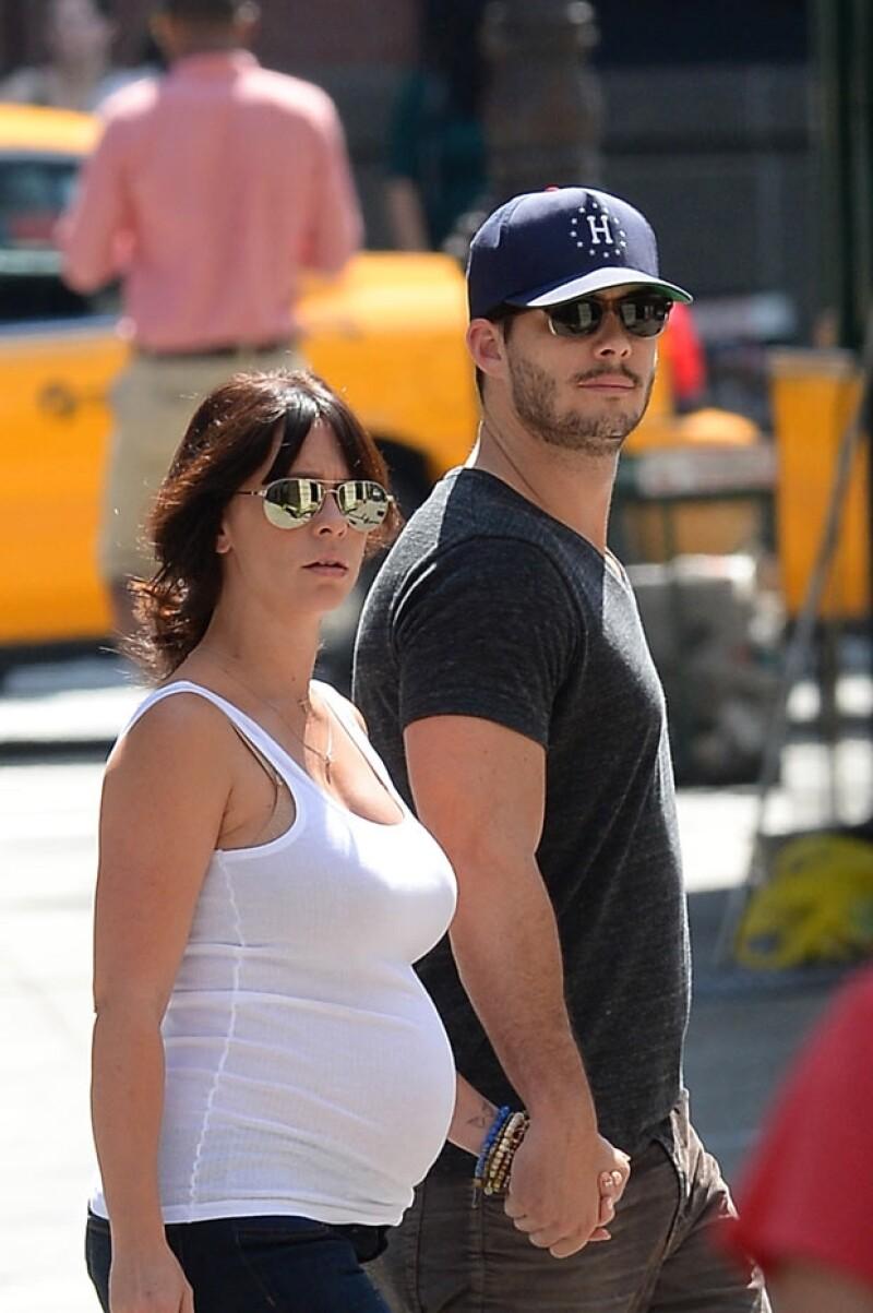 El representante de la actriz dio a conocer que la bebé nació ayer 26 de noviembre y también aprovechó para informar sutilmente que Jennifer se casó.