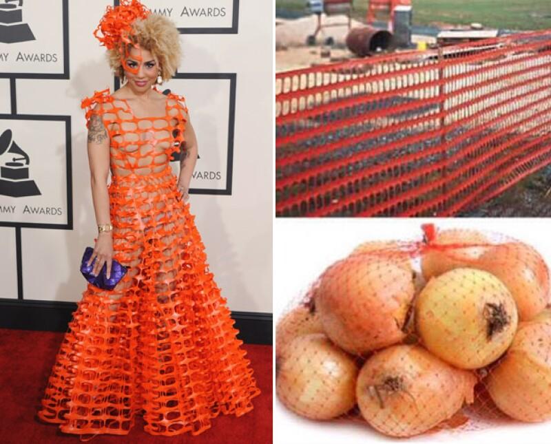 El vestido de Joy Villa dio mucho de qué hablar y es que estaba hecho estilo plástico de construcción.