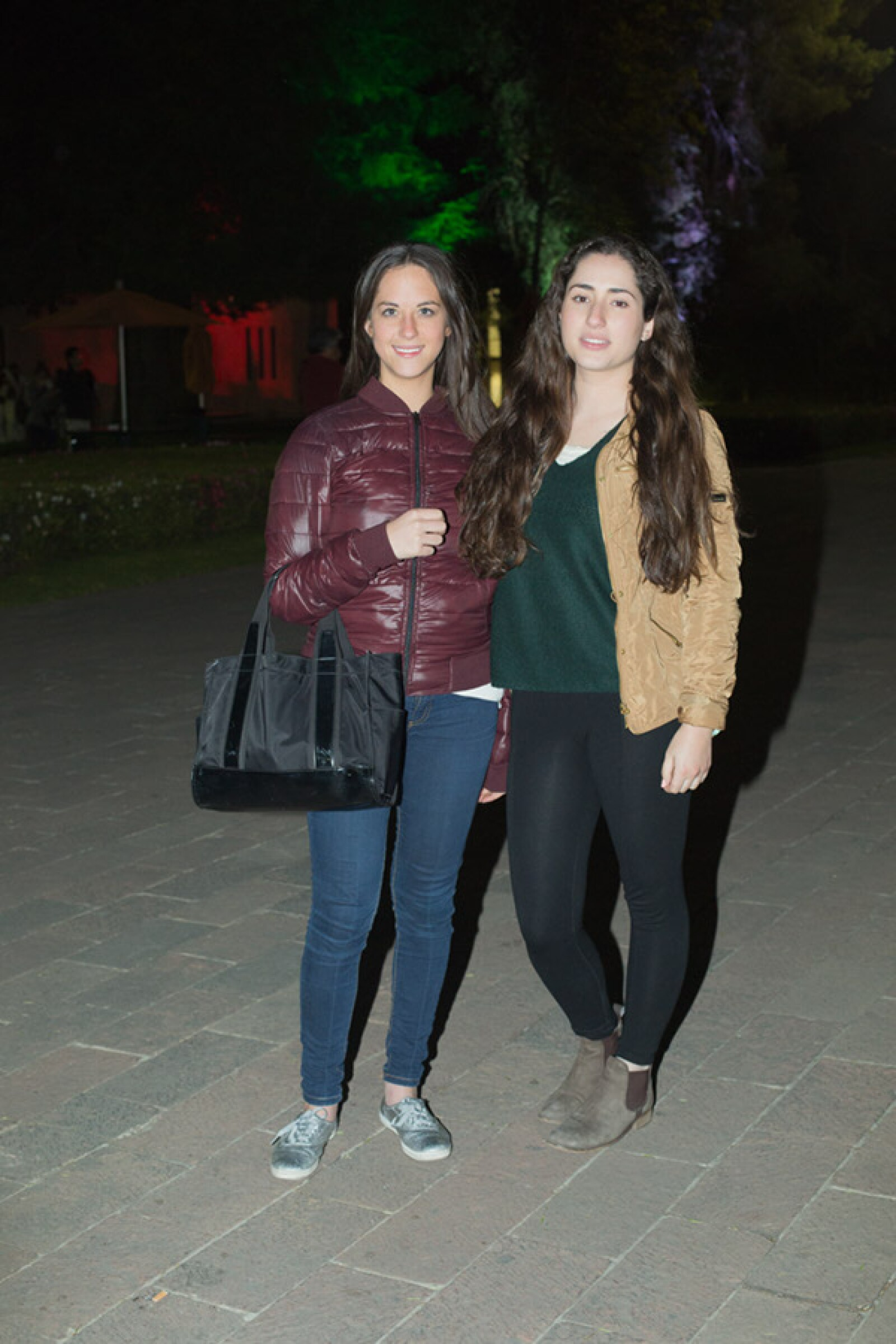 Adriana Villalobos y Regina Portilla