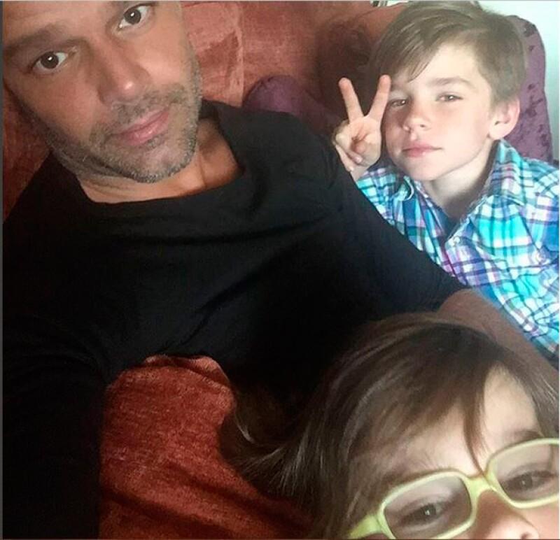 El cantante comparte los mejores momentos junto a sus hijos en redes sociales.