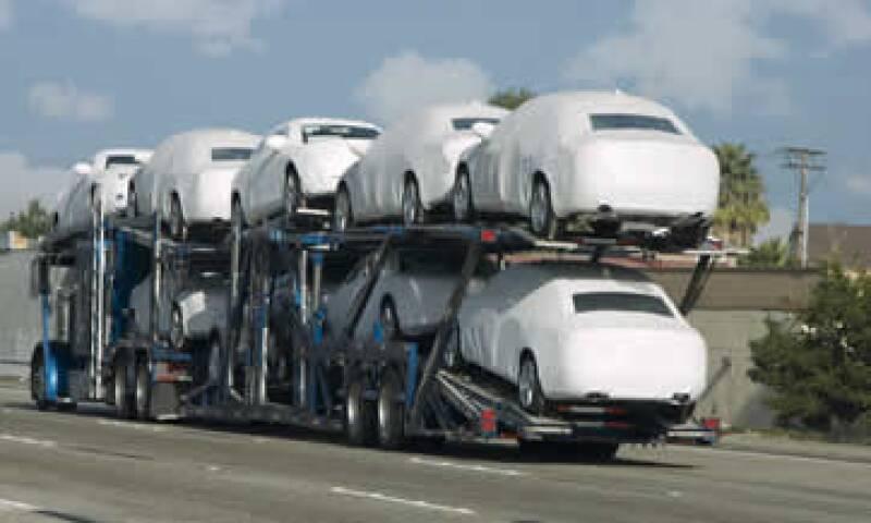 La producción de vehículos cayó 0.8% en junio a 266,351 unidades. (Foto: Getty Images)