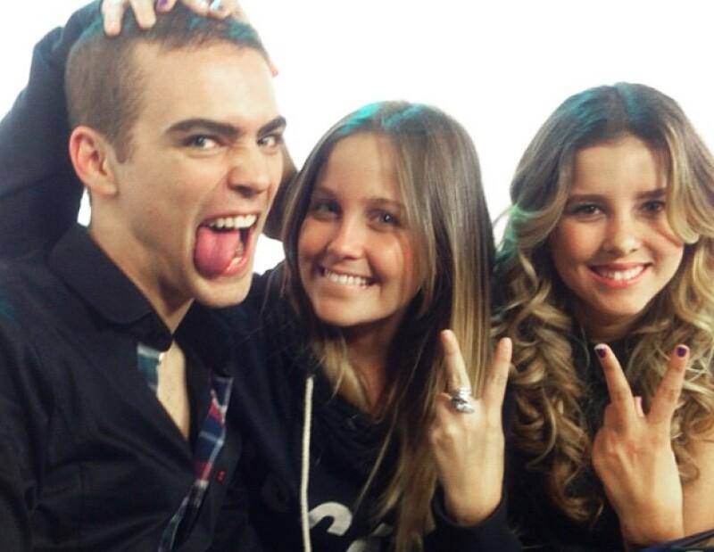 Jack Duarte con Natasha Dupeyrón y Paulina Goto