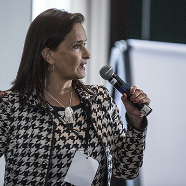"""La fundadora de Financiera Sustentable, Patricia Armendáriz, contó sus historias de fracaso y reflexionó: """"Nuestros deseos nos hacen no voltear a ver los medios que utilizamos para llegar a ellos""""."""