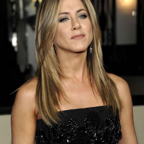 Difícil de creer, pero cierto. Jennifer Aniston ha ganado fama en Hollywood de no ser la más accesible con sus fans, con los meseros y hasta con los acomodadores en las entregas de premios.